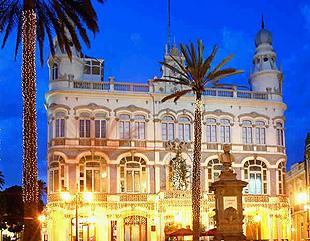 Las Palmas de Gran Canaria pone en marcha un plan para recuperar en dos años su estatus turístico