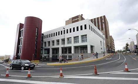 110.371 firmas contra el cierre de la Unidad de Cirugía Cardiaca Infantil en el Hospital Materno Infantil de Gran Canaria