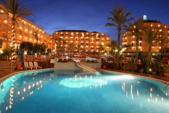 El Cabildo grancanario compara la oferta de las otras islas para pedir vía libre a los hoteles de cuatro estrellas