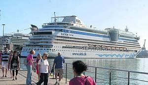La pugna por ser puerto-base : Tenerife y Gran Canaria se preparan para captar mayores cuotas de cruceros