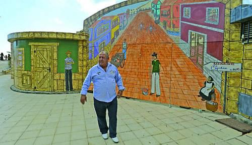 Sacar colores a la fachada turística